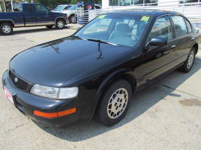 1996 Nissan Maxima near Des Moines IA 50317 for $2,495.00