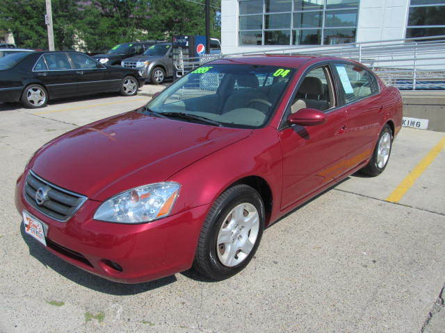 2004 Nissan Altima near Des Moines IA 50317 for $3,995.00