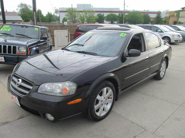 2003 nissan maxima near des moines ia 50317 for 2. Black Bedroom Furniture Sets. Home Design Ideas